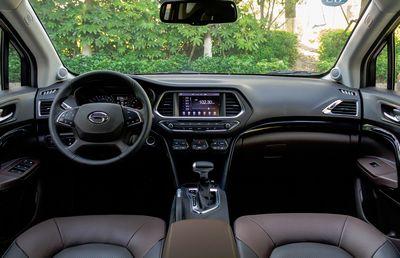 Cadillac в детройте рассекретил купе ats c новой эмблемой