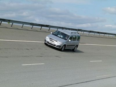 Дмитрий ярыгин: lada largus на скорости 180км/час (фото)