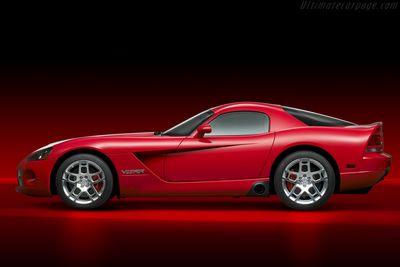 Dodge viper 2013 года показался на официальном тизере