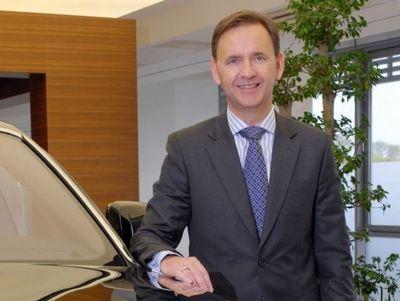 Джеймс крайтон, региональный директор компании rolls-royce motor cars («автостат»)