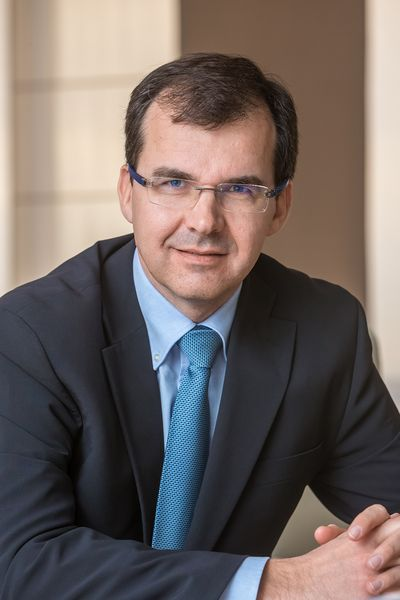 Ян птачек, исполнительный вице-президент по продажам и маркетингу пао «автоваз» («автостат»)
