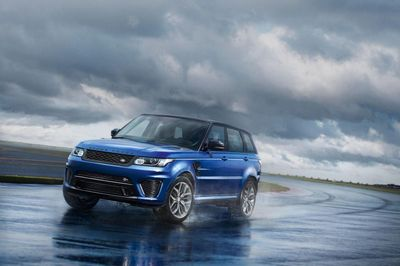 Land rover рассекретил внедорожник range rover sport svr
