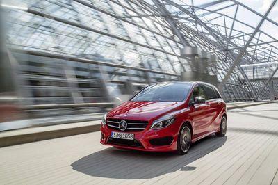 Mercedes-benz обновил компактную семейную модель b-class