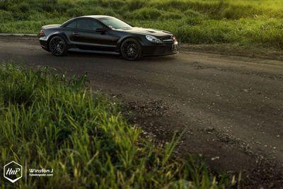 Mercedes-benz sl в обвесе prior design на дисках forgestar