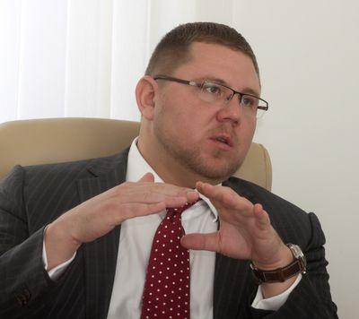 Олег ландин, генеральный директор «ааа моторс» («автостат»)