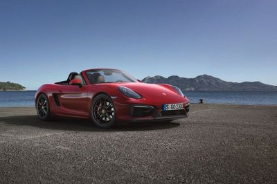 Porsche представил новые модификации boxster gts и cayman gts
