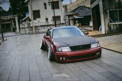 Toyota celsior в ярком японском vip-тюнинге