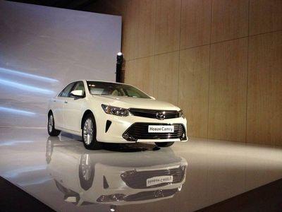 Toyota презентовала рестайлинговый седан camry для россии