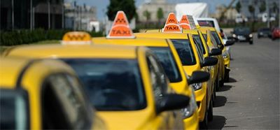 Власти москвы отказались вводить единый тариф на такси - «автоновости»