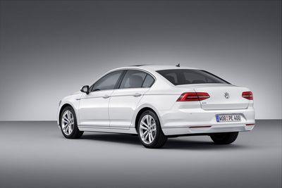 Volkswagen может заморозить кроссоверы bentley и lamborghini