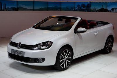 Volkswagen официально отзывает в россии десятки тысяч кроссоверов touareg - «автоновости»